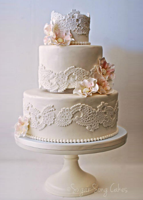 Cake Plateaus For Wedding Cakes  Vintage Wedding Cake Stands Wedding and Bridal Inspiration