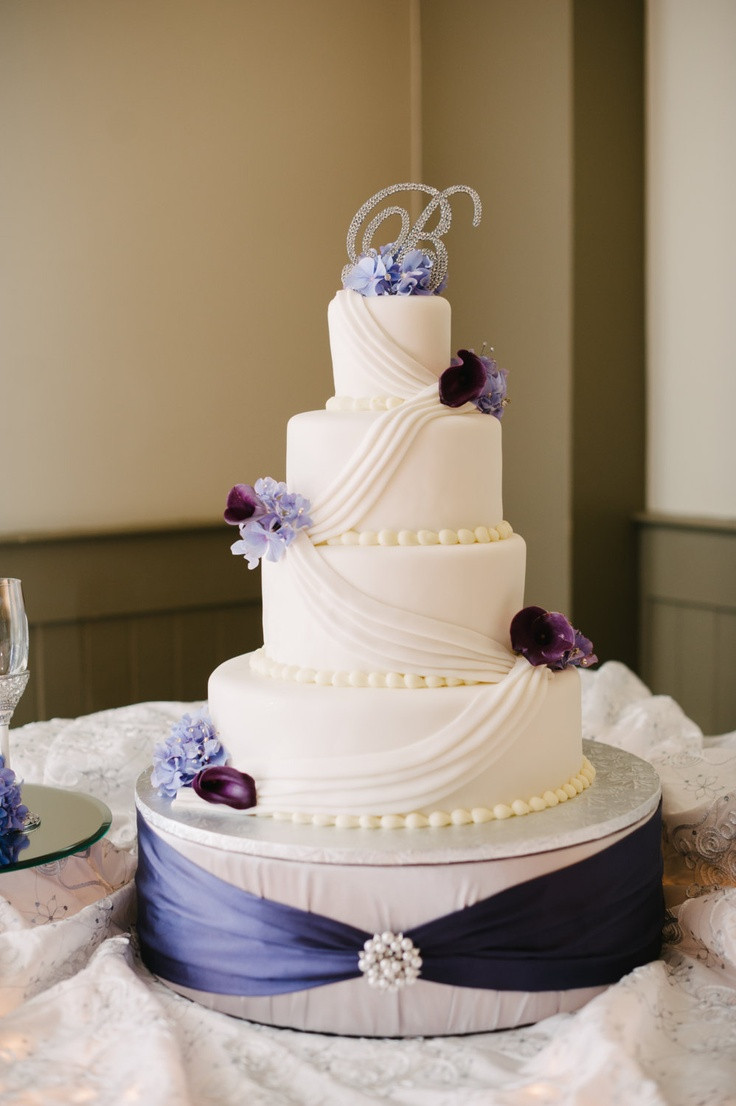 Cake Plateaus For Wedding Cakes  162 best images about Cake stands on Pinterest