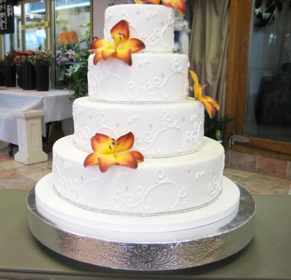 Cake Risers Wedding Cakes  Wedding cake risers idea in 2017
