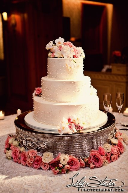 Cake Risers Wedding Cakes  17 Best images about Glamour on Pinterest
