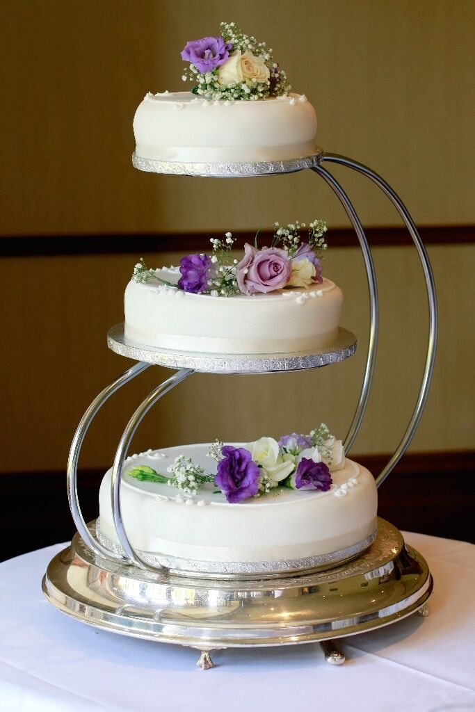 Cake Stands For Wedding Cakes  3 Tier Wedding Cake Stand in Dal y Bay Fife