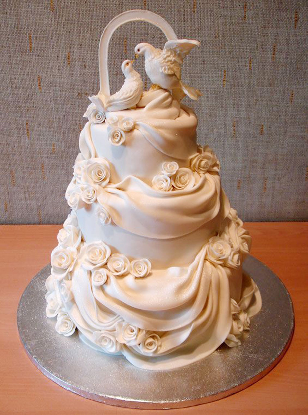 Cakes Design For Wedding  Beautiful Wedding Cakes Toppers Wedding Cake Cake Ideas