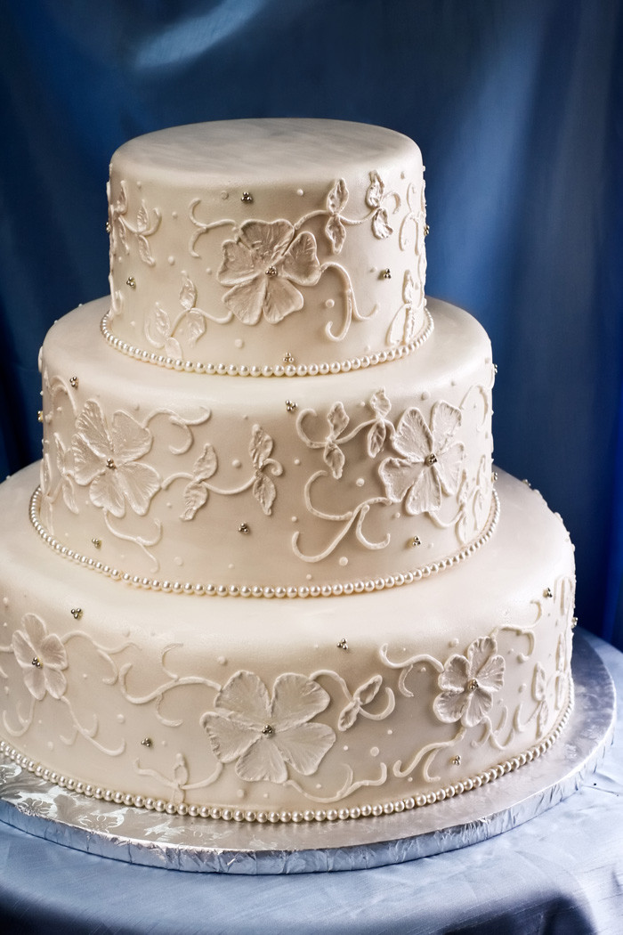 Cakes Designs For Wedding  Design Your Own Wedding Cake With New line Tool