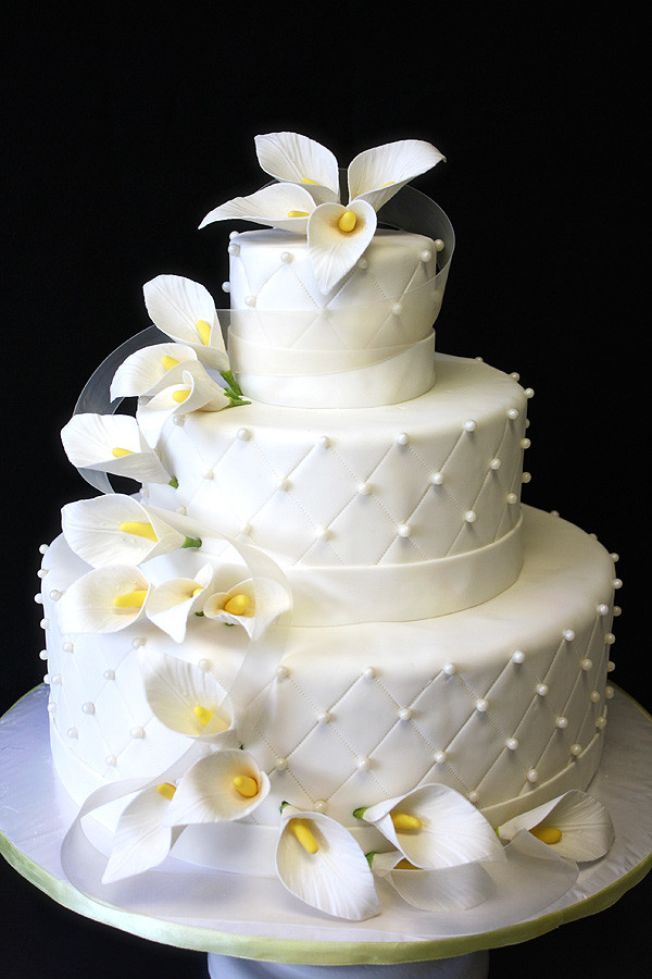 Calla Lilies Wedding Cakes  Wedding Cake with Calla Lilies by CakeSuite serving