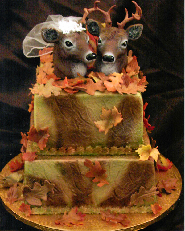 Camouflage Wedding Cakes  Camo Wedding Ideas For Redneck Weddings