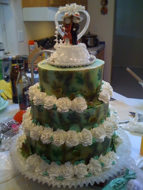 Camouflage Wedding Cakes  Frosted Art Camouflage Wedding Cake by Leah