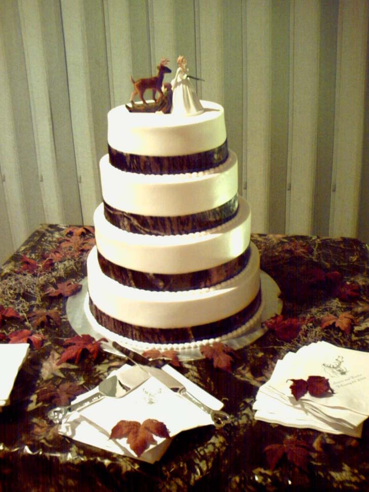 Camouflage Wedding Cakes  Top 5 Camo Wedding Cakes