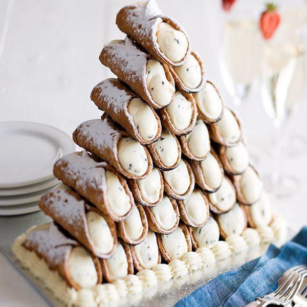 Cannoli Wedding Cakes  10 Awesome Alternatives to the Traditional Wedding Cake