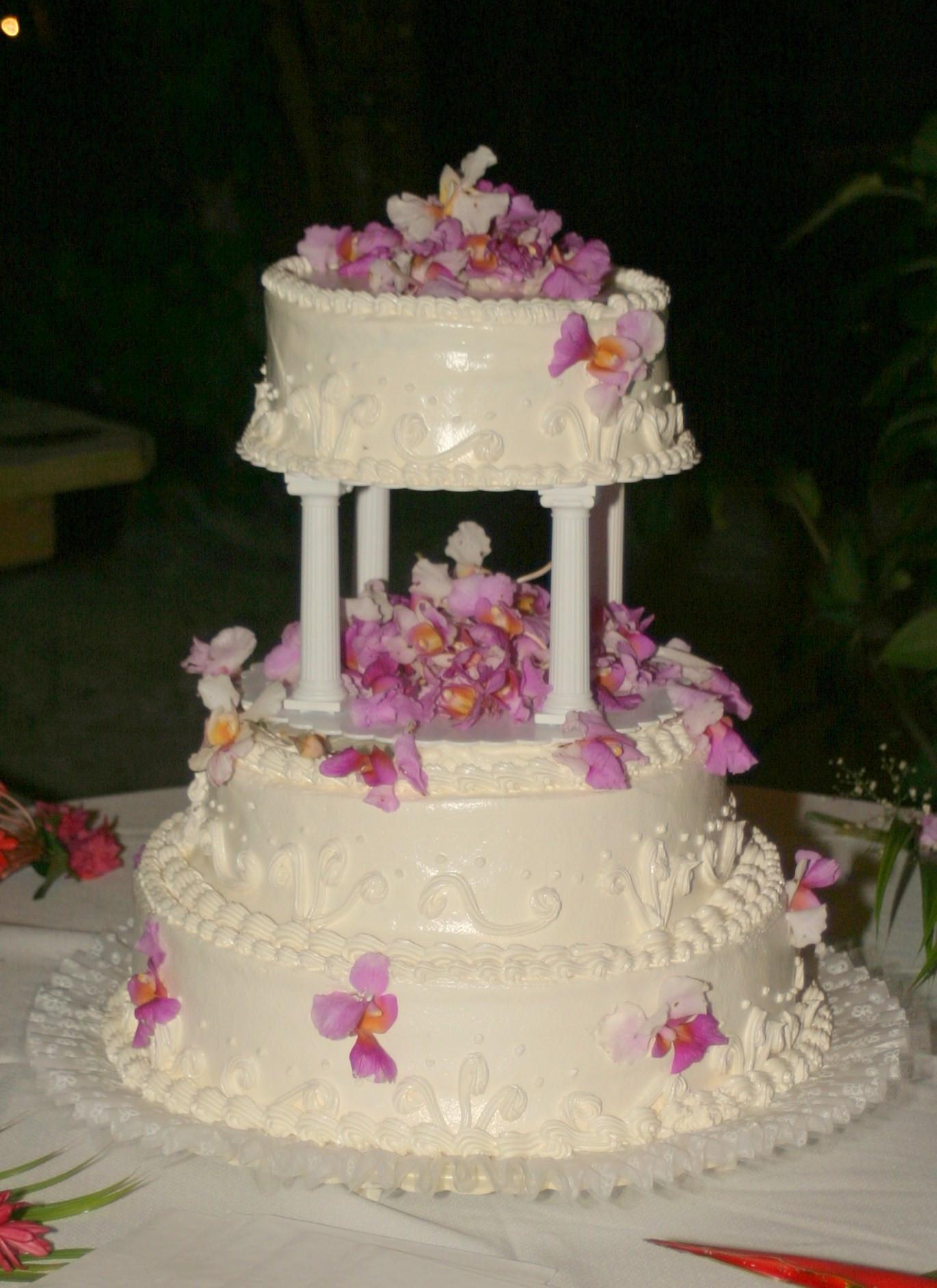 Carribean Wedding Cakes  Caribbean Wedding Girls Utila The Bay Islands Honduras