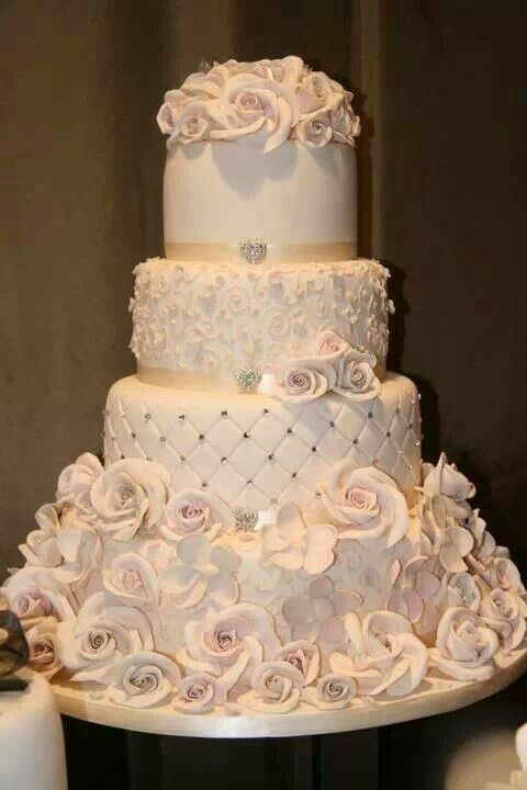 Champagne Color Wedding Cakes  Champagne color wedding cake Cool Cakes