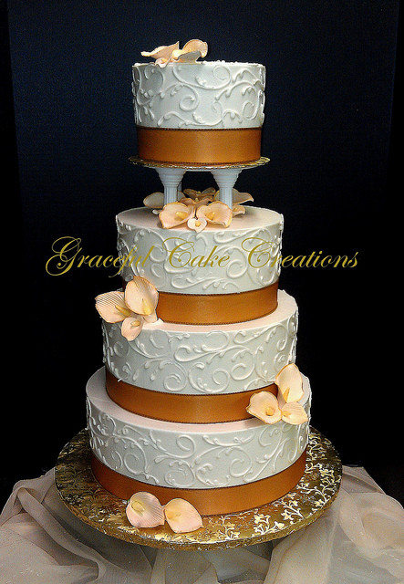 Champagne Colored Wedding Cakes  Elegant Ivory Butter Cream Wedding Cake with Champagne