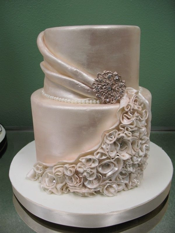 Champagne Colored Wedding Cakes  silky champagne color wedding cake cakes