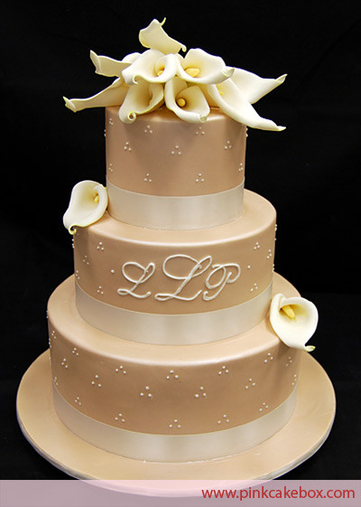 Champagne Coloured Wedding Cakes  Laniyah s blog Champagne wedding cake with calla lilies