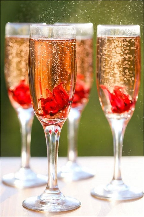 Champagne Drinks For Summer  10 Wedding Worthy Champagne Cocktails