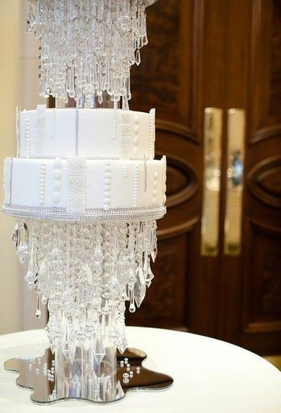 Chandelier Wedding Cakes  Crystal chandelier wedding cake by elizabethscakeemporium