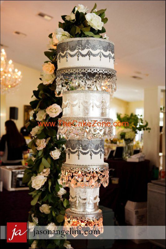 Chandelier Wedding Cakes  Upside Down wedding cake chandelier cake thecakezone