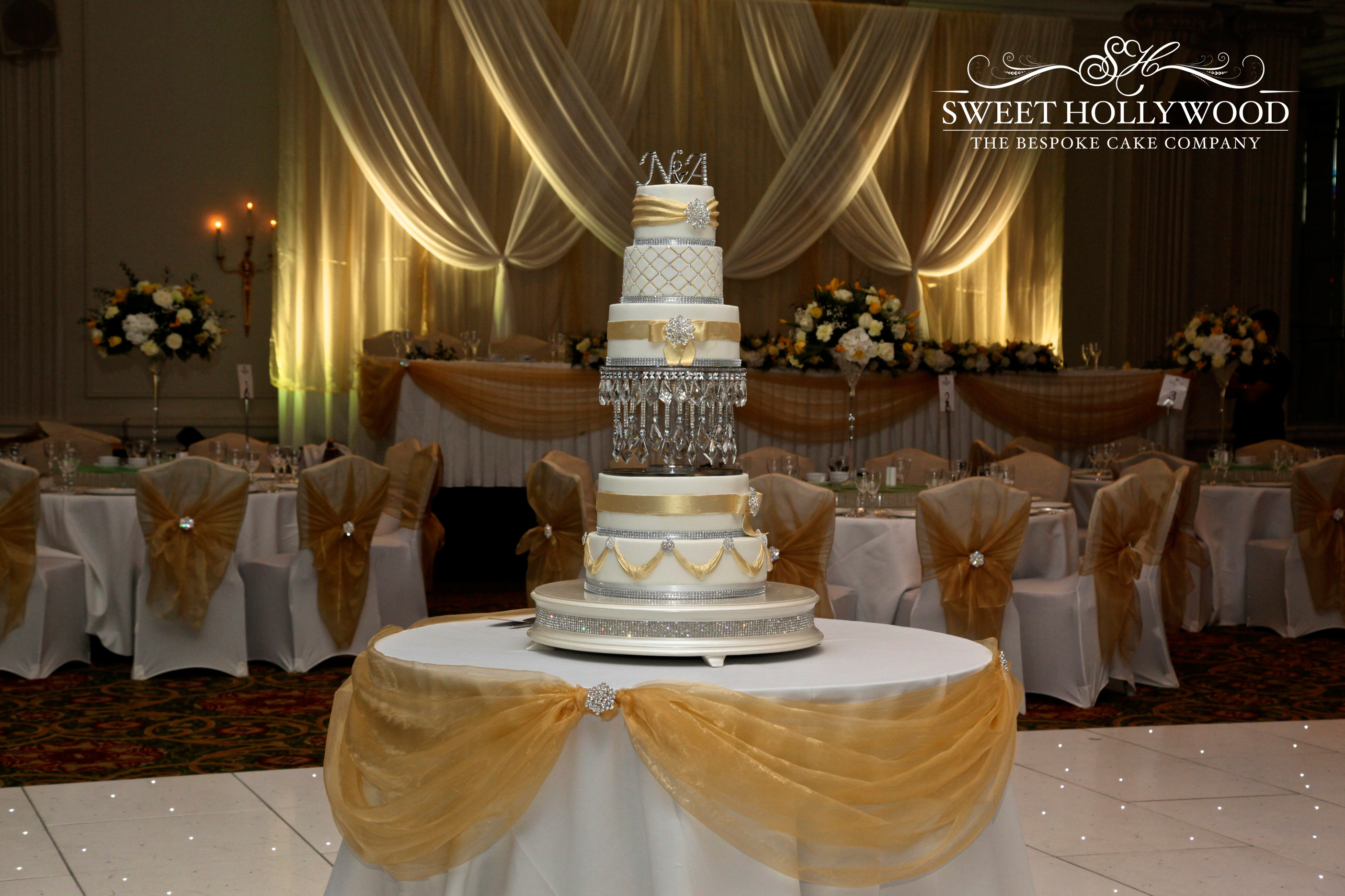 Chandelier Wedding Cakes  Gold & Silver Chandelier Wedding Cake