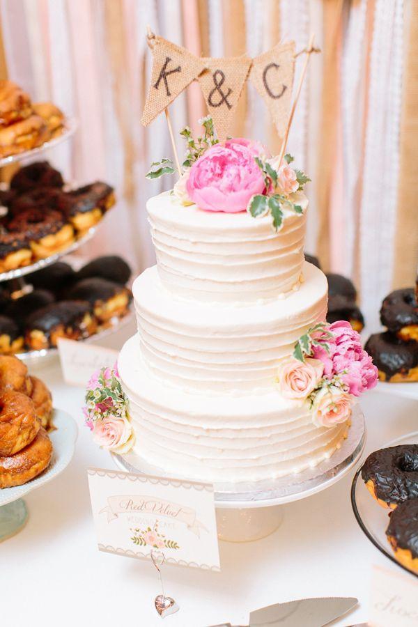 Chantilly Wedding Cakes  Chantilly Rose Tips on Wedding Cake