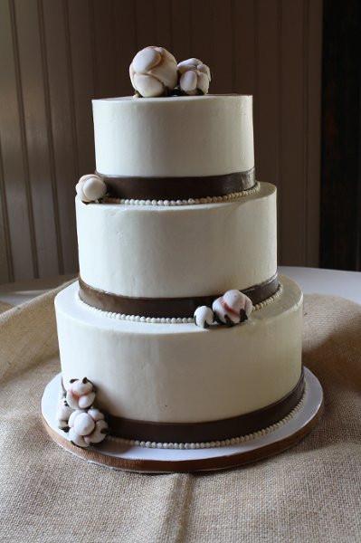 Charleston Wedding Cakes  DeClareCakesCharlestonSCWeddingCakeCotton3