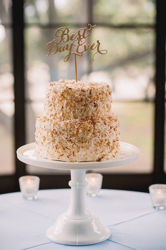 Charleston Wedding Cakes  Elegant Charleston wedding White wedding