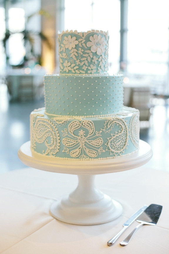 Charleston Wedding Cakes  South Carolina Aquarium Wedding Erika Logan — A