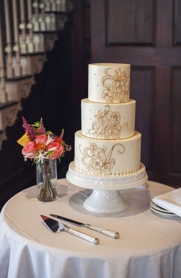 Charleston Wedding Cakes  Dunes West Golf Club Wedding by Melissa Brewer graphy
