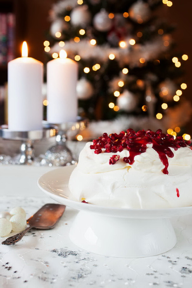 Cheap Healthy Desserts  Christmas Pavlova – Cheap & Healthy Dessert Recipe Idea