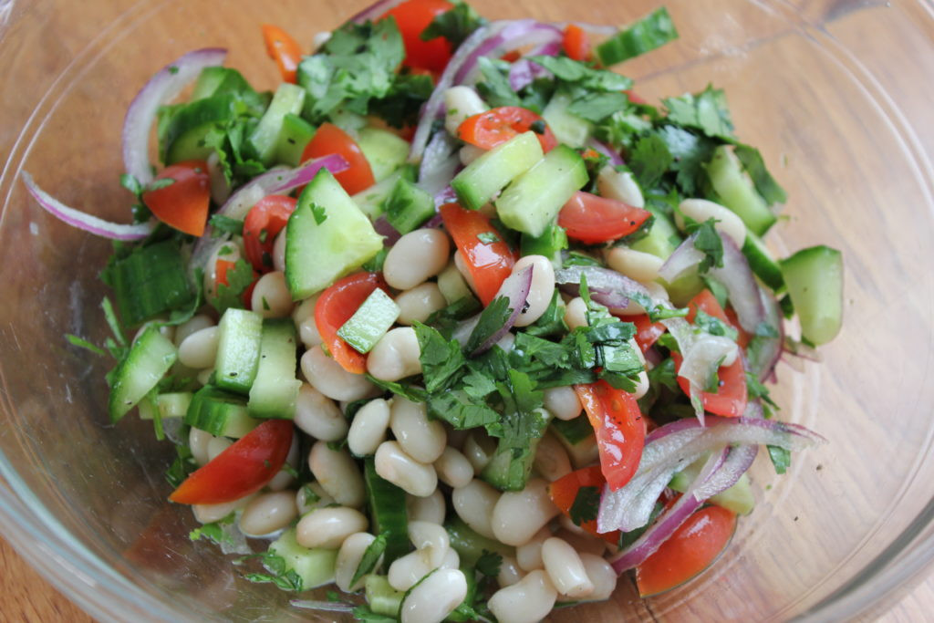 Cheap Healthy Salads  Healthy & Cheap Bean Salad