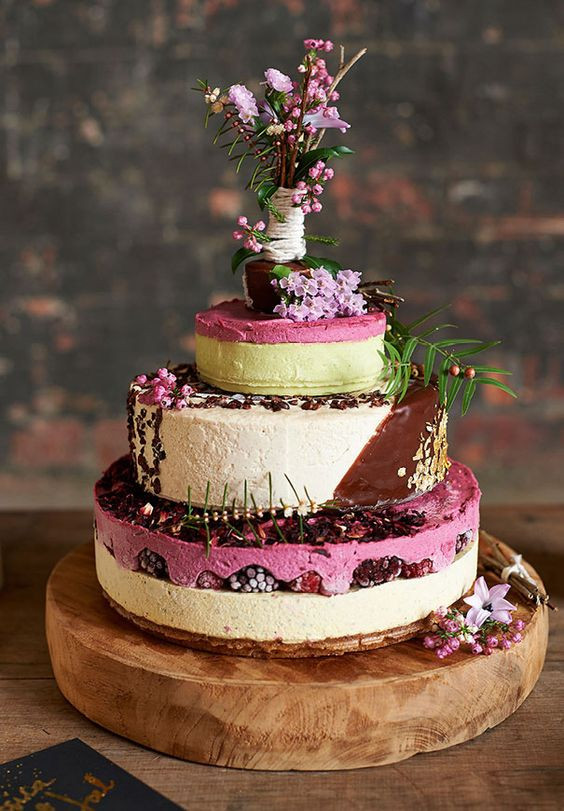 Cheesecake Wedding Cakes  20 Delicious & Unique Alternatives to the Traditional