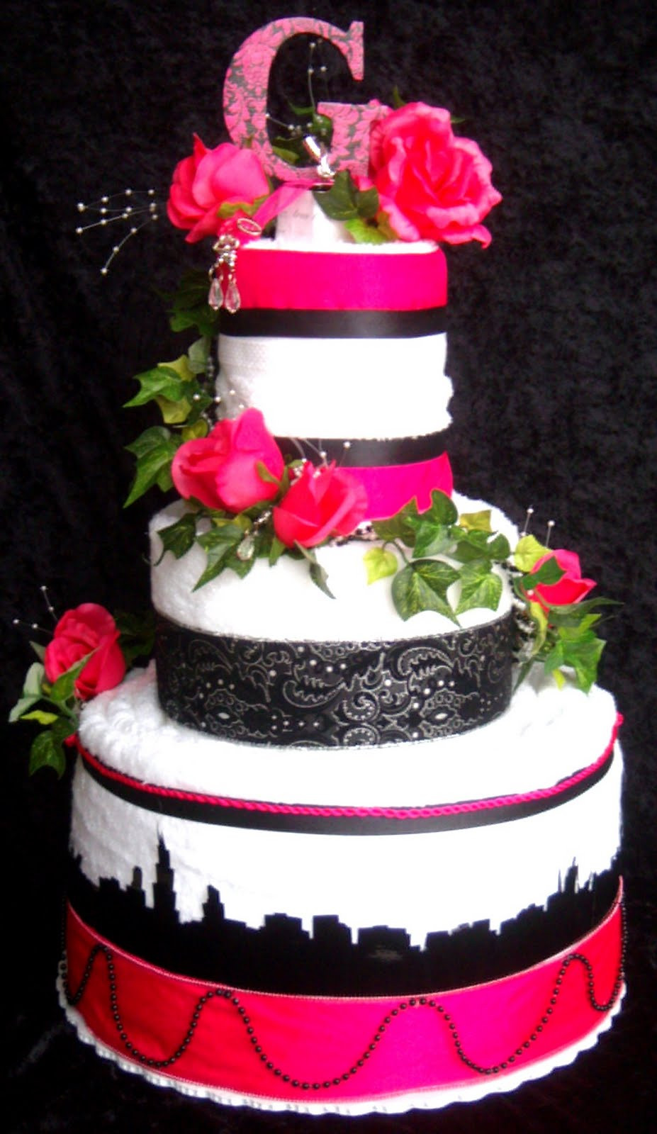 Chicago Wedding Cakes  Paizley Petals Chicago Skyline Wedding Towel Cake