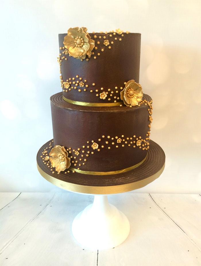 Chocolate And White Wedding Cakes  12 chocolate wedding cakes