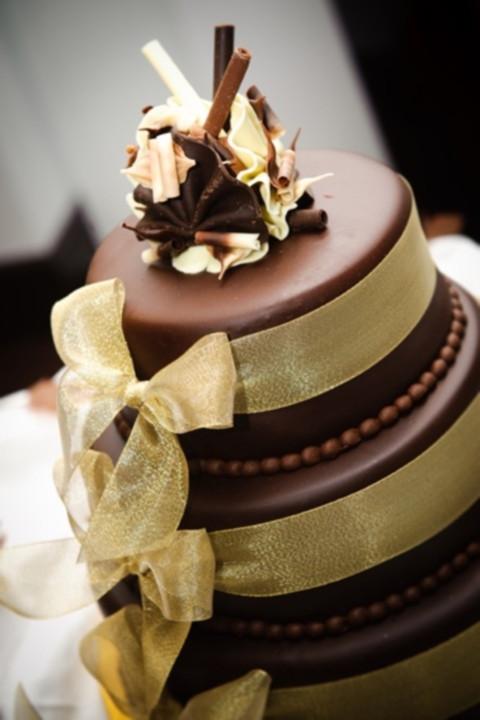 Chocolate And White Wedding Cakes  46 Dark And White Chocolate Wedding Cakes