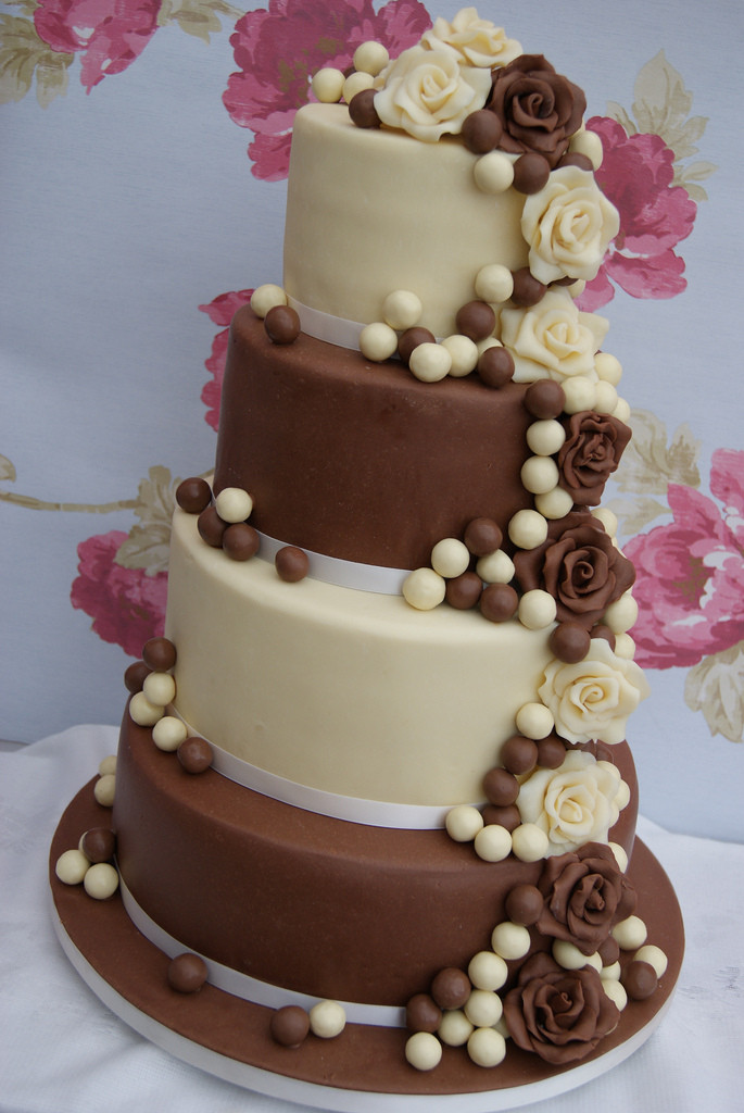 Chocolate And White Wedding Cakes  Four Tier Chocolate Wedding Cake