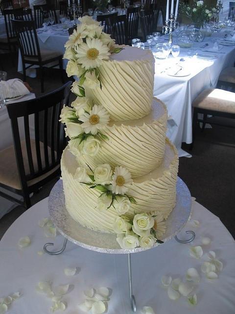 Chocolate And White Wedding Cakes  White chocolate ganache wedding cake
