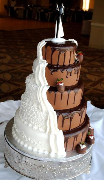 Chocolate Covered Strawberry Wedding Cakes  16 Chocolate Dipped Strawberry Wedding Cake Ideas – Candy