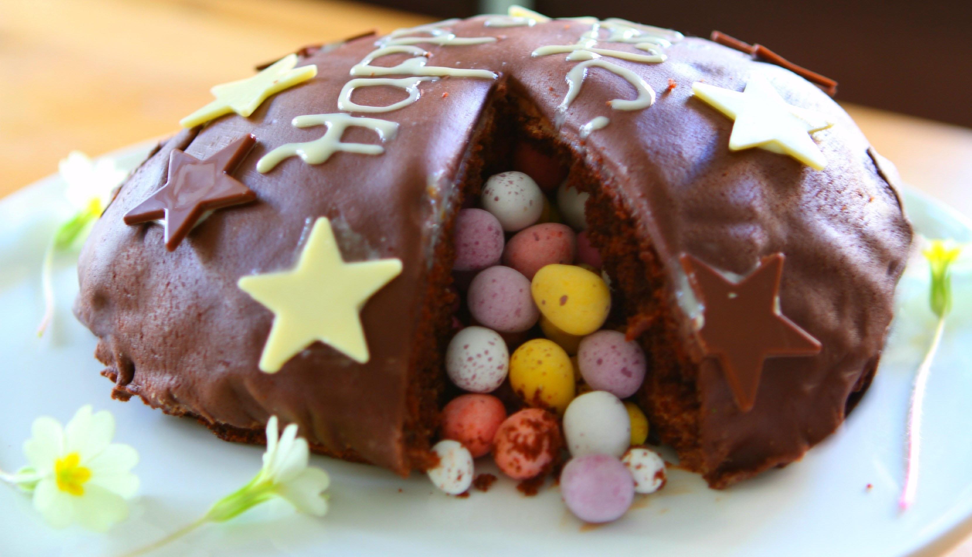 Chocolate Easter Cake  Chocolate Easter Egg Pinata Cake mummy mishaps