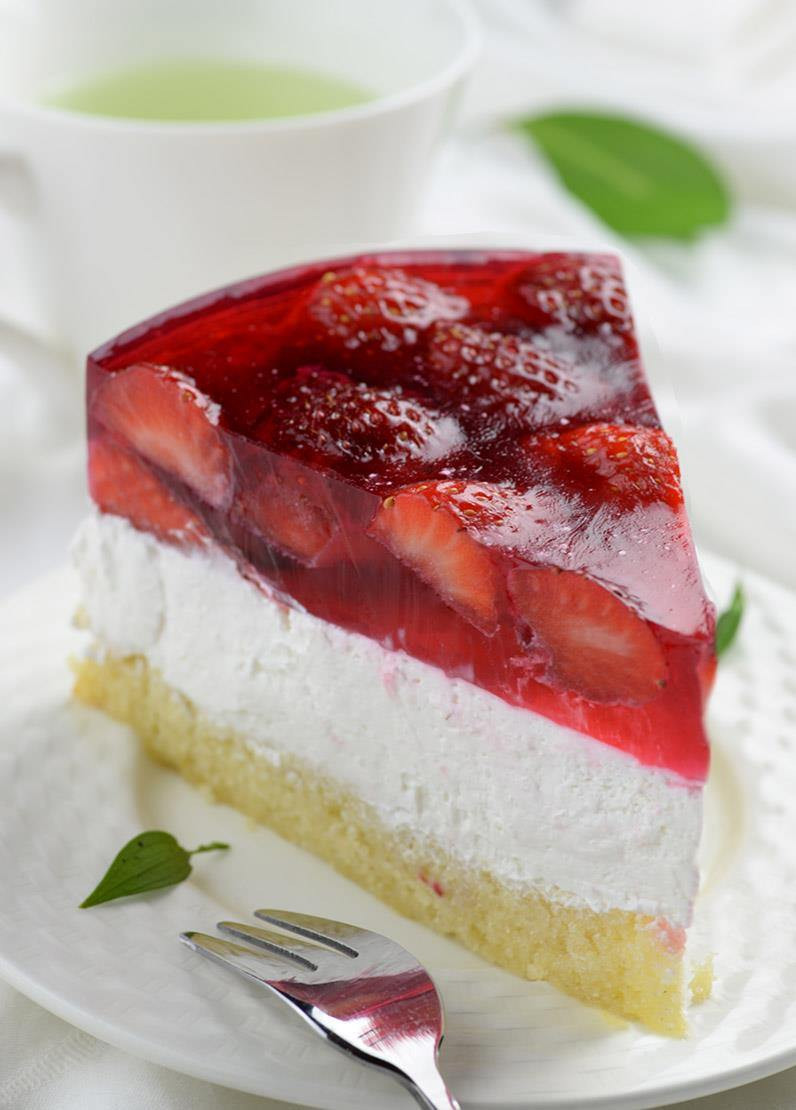 Chocolate Summer Desserts  Strawberry Jello Cake