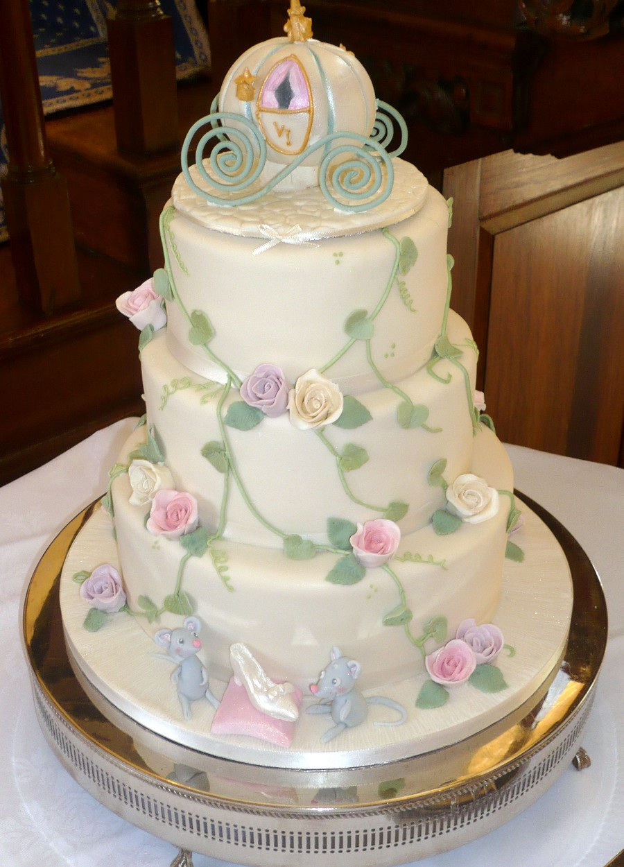 Cinderalla Wedding Cakes  Wedding Accessories Ideas