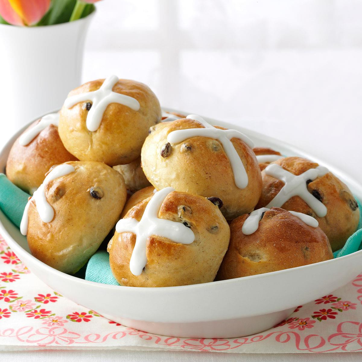 Classic Easter Desserts  Traditional Hot Cross Buns Recipe
