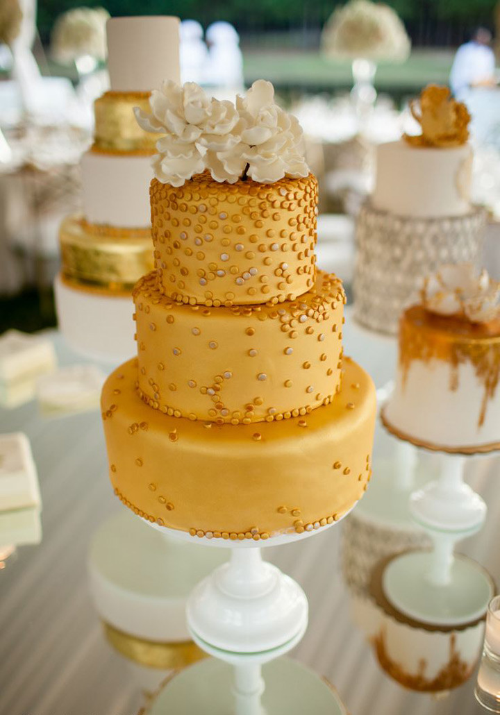 Confetti Wedding Cakes  Confetti Wedding Cakes That ll Put a Smile on Your Face