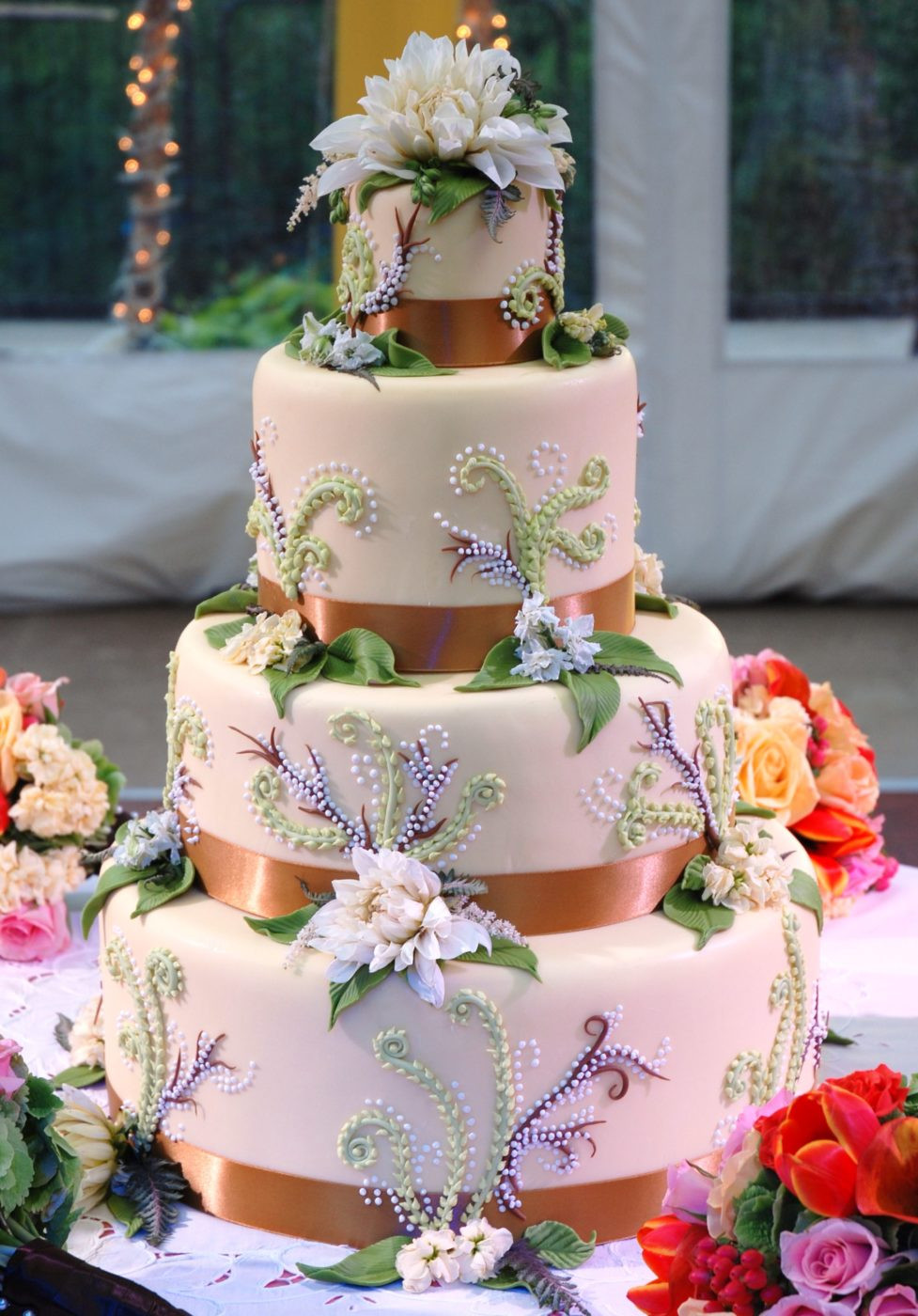 Cool Wedding Cakes  Unique Wedding Cakes