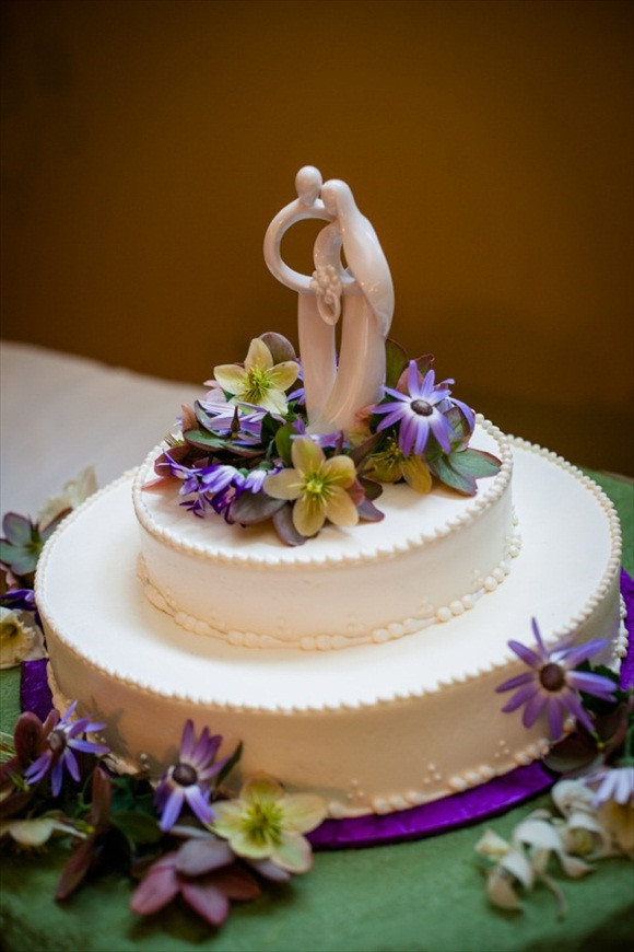 Costco Wedding Cakes Pictures  Bud Bride Tip for June 9 Feed your guests wedding