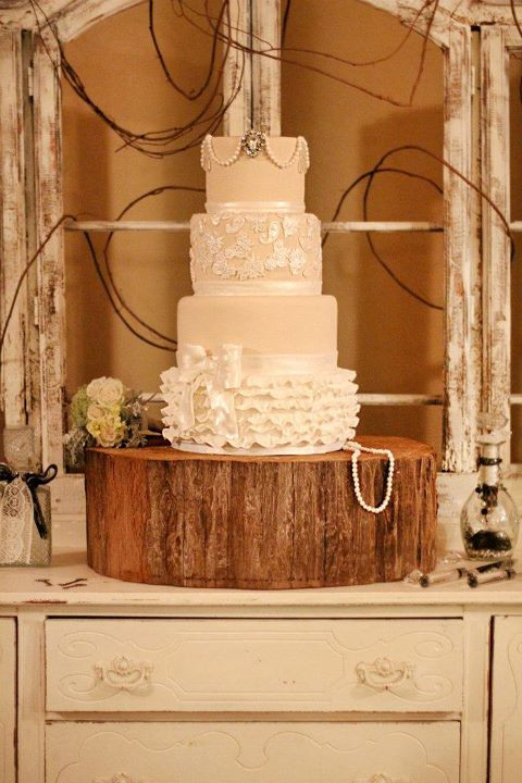 Country Chic Wedding Cakes  Wendy Woo Cakes A Country Shabby Chic Wedding Cake