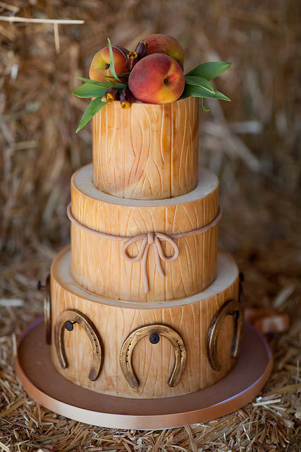 Country Style Wedding Cakes  Believe In Cake Country Style Wedding Cake