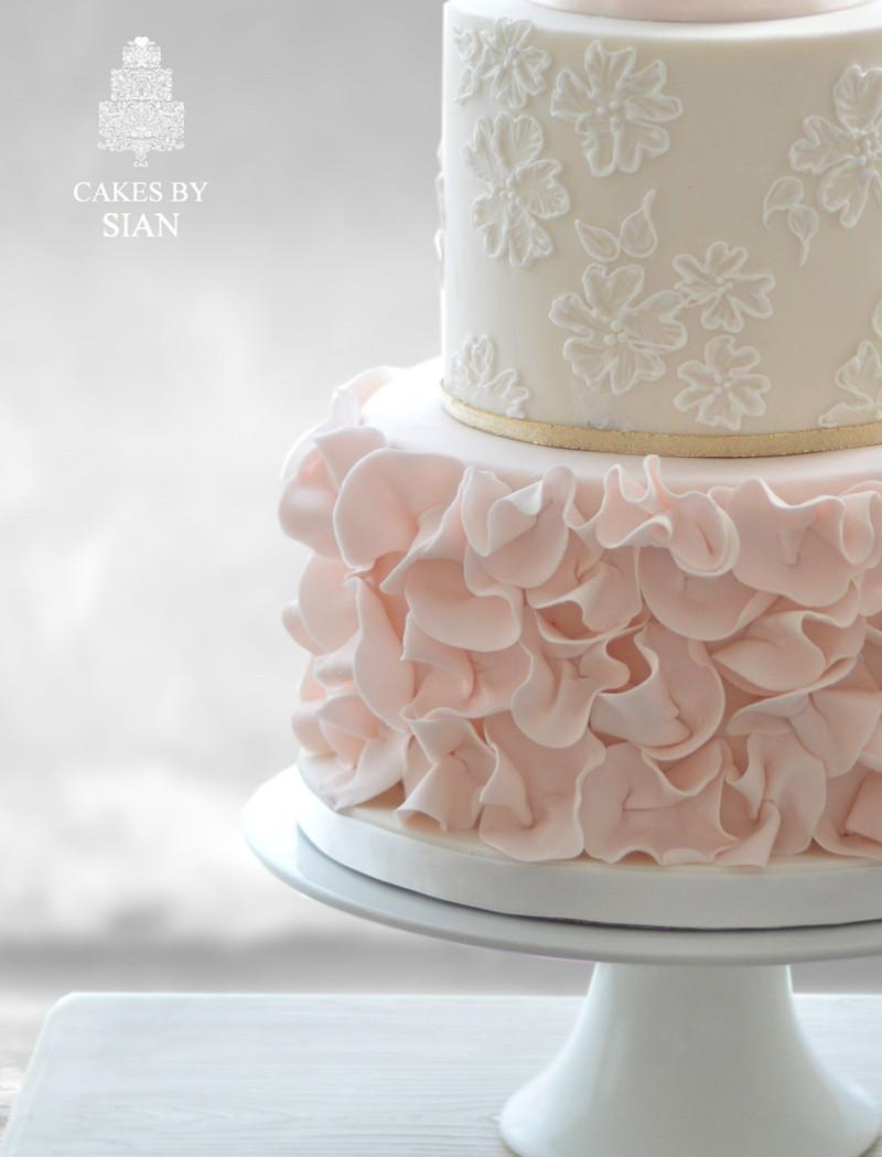 Coutoure Wedding Cakes  Wedding Supplier Spotlight Wedding Cake Cakes by Sian