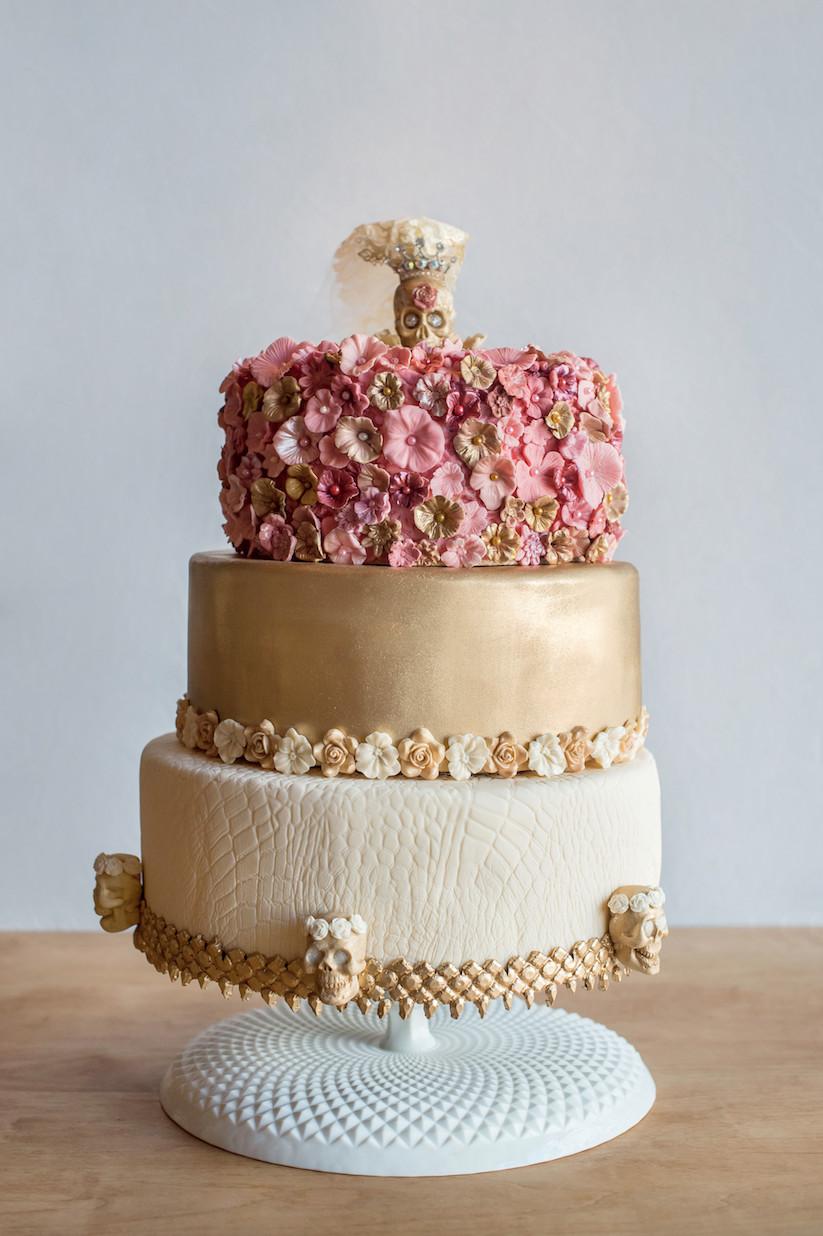 Coutoure Wedding Cakes  20 Couture Wedding Cakes Ideas