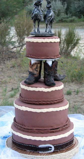 Cowboy Wedding Cakes  Ideas of the Western Themed Wedding Cakes