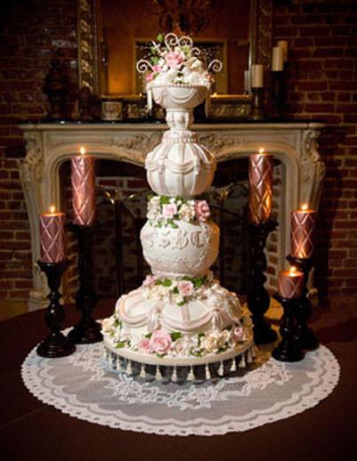 Creative Wedding Cakes  sports Unique Wedding Cakes