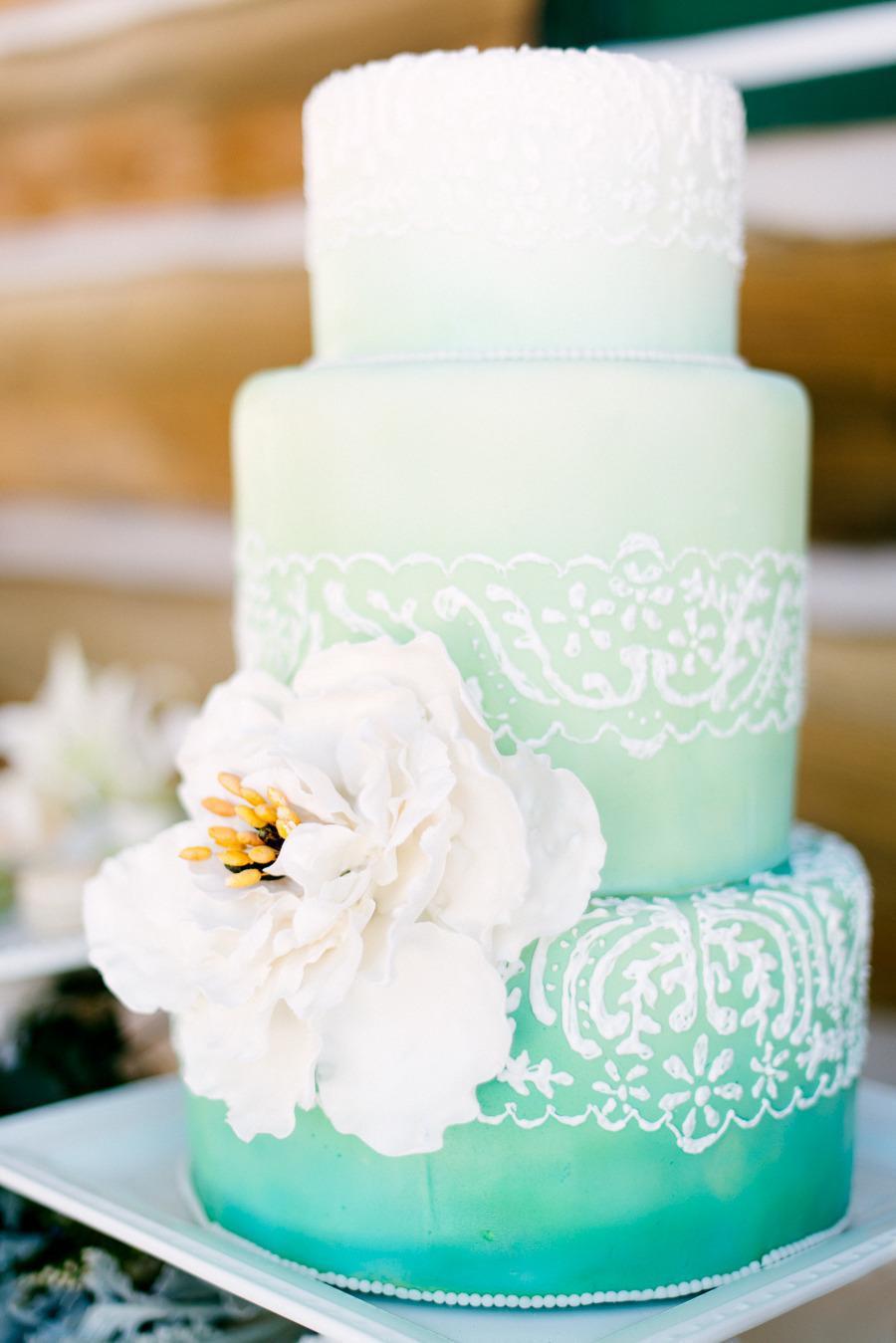 Creative Wedding Cakes  25 Unique Wedding Cakes Ideas