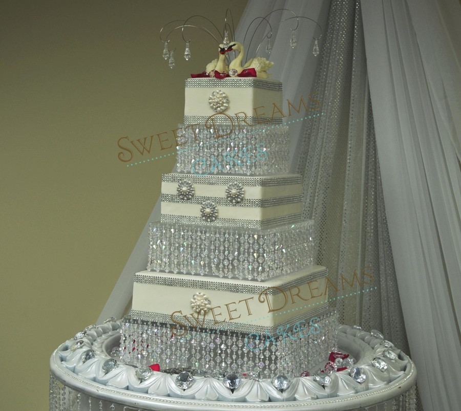 Crystal Cake Stands For Wedding Cakes  Crystal Wedding Cake CakeCentral